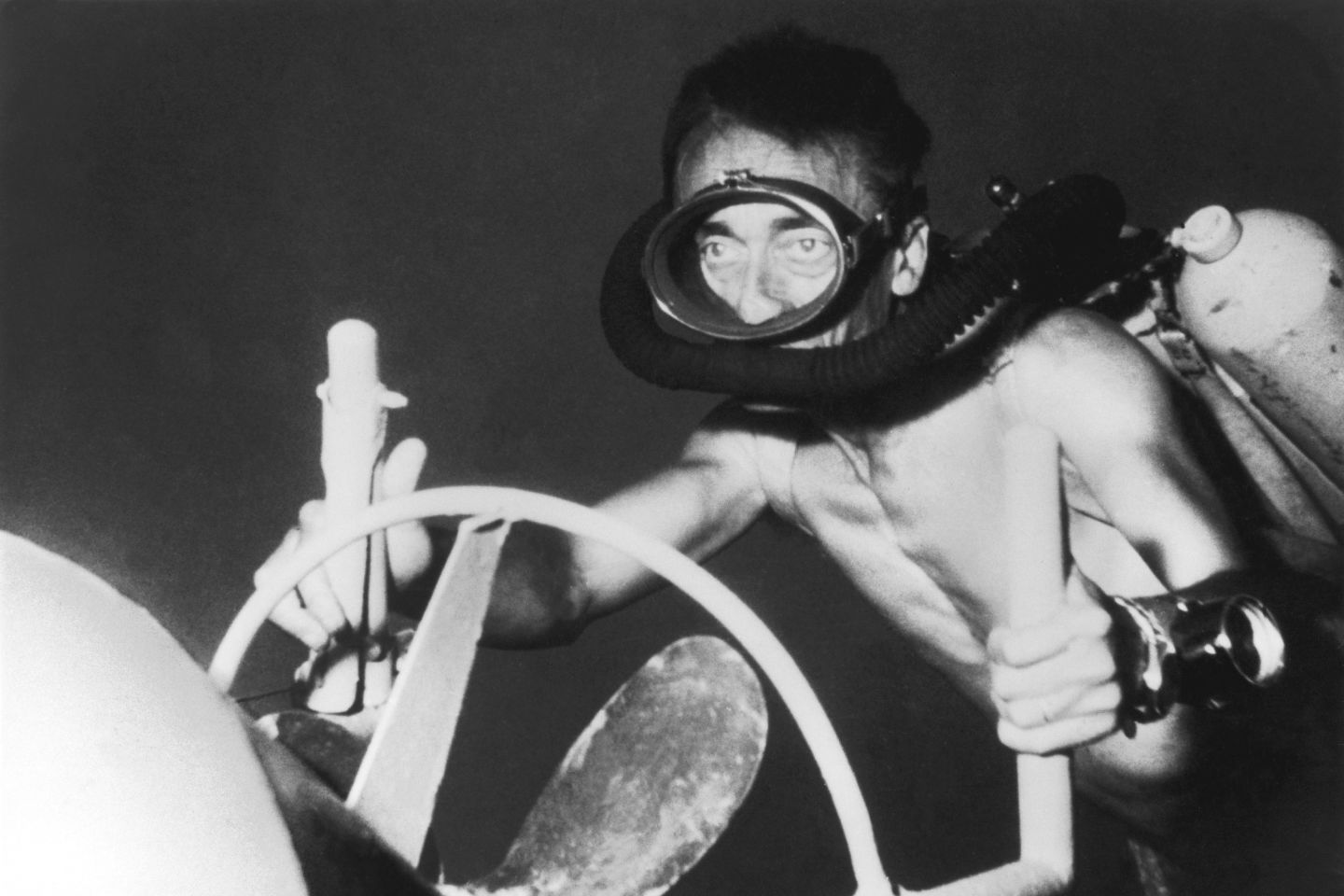A GettyImages 104416017 gat9du - Il Capitano Jacques Cousteau: 30 immagini per ricordarlo