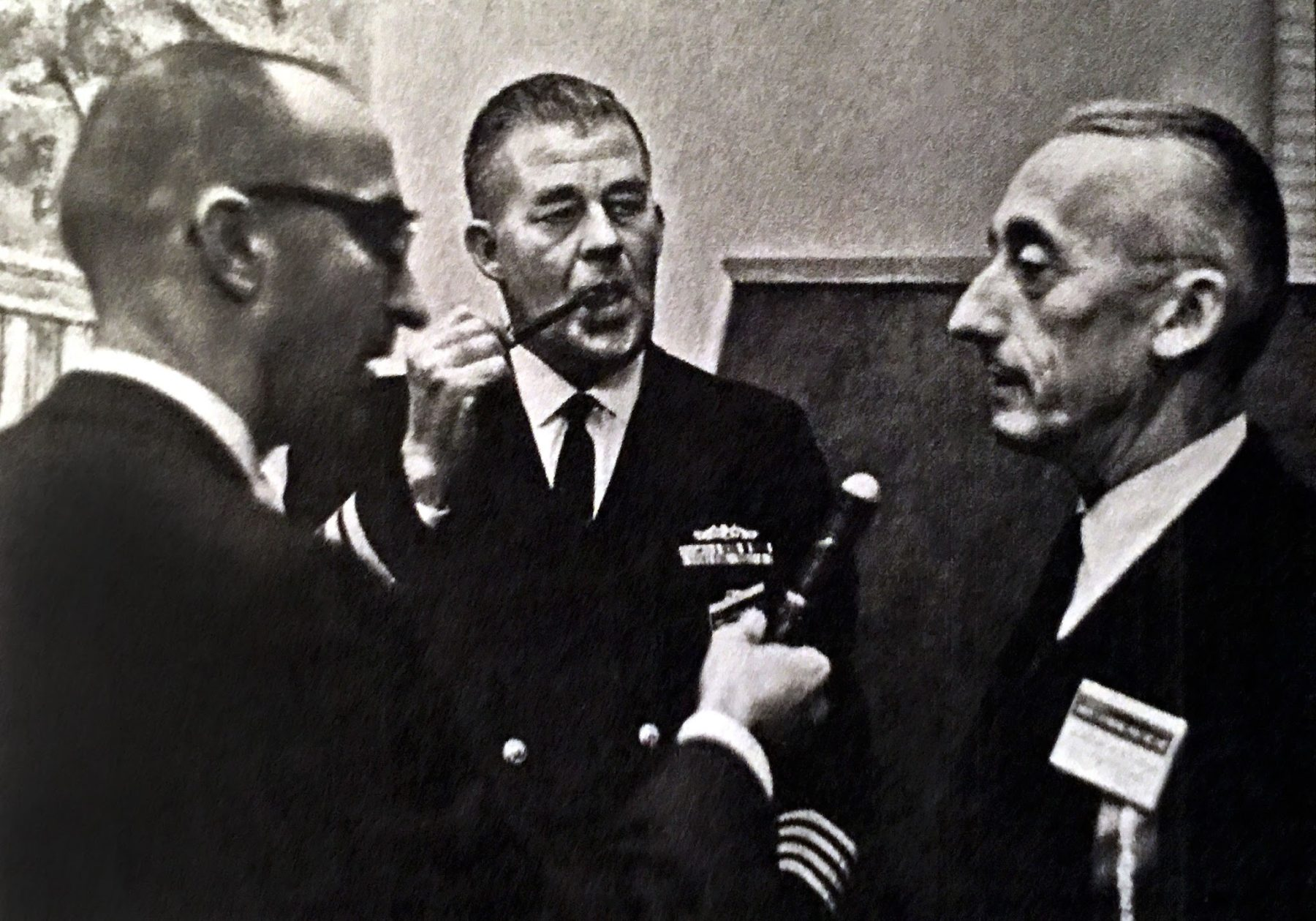Dr.-George-Bond-with-Jacques-Cousteau-SEALAB-1968